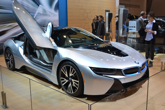 2016-bmw-i8-hybrid-car-chicago-auto-show
