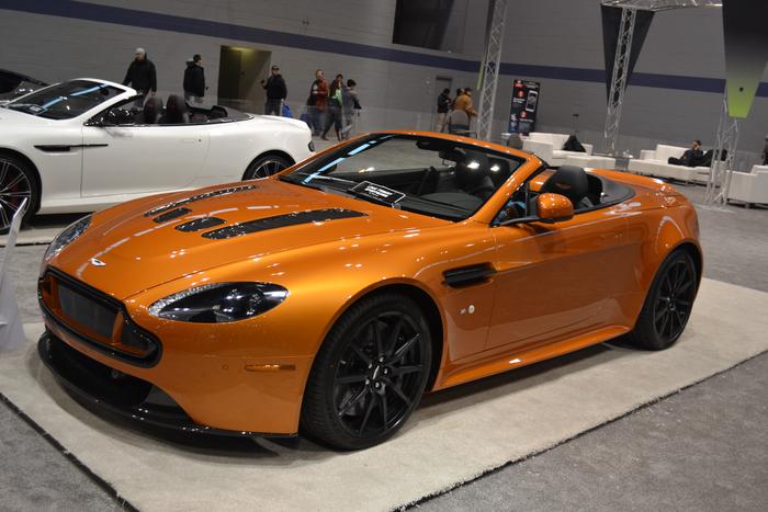 aston-martin-vantage-v12-roadster-chicago-auto-show-2015