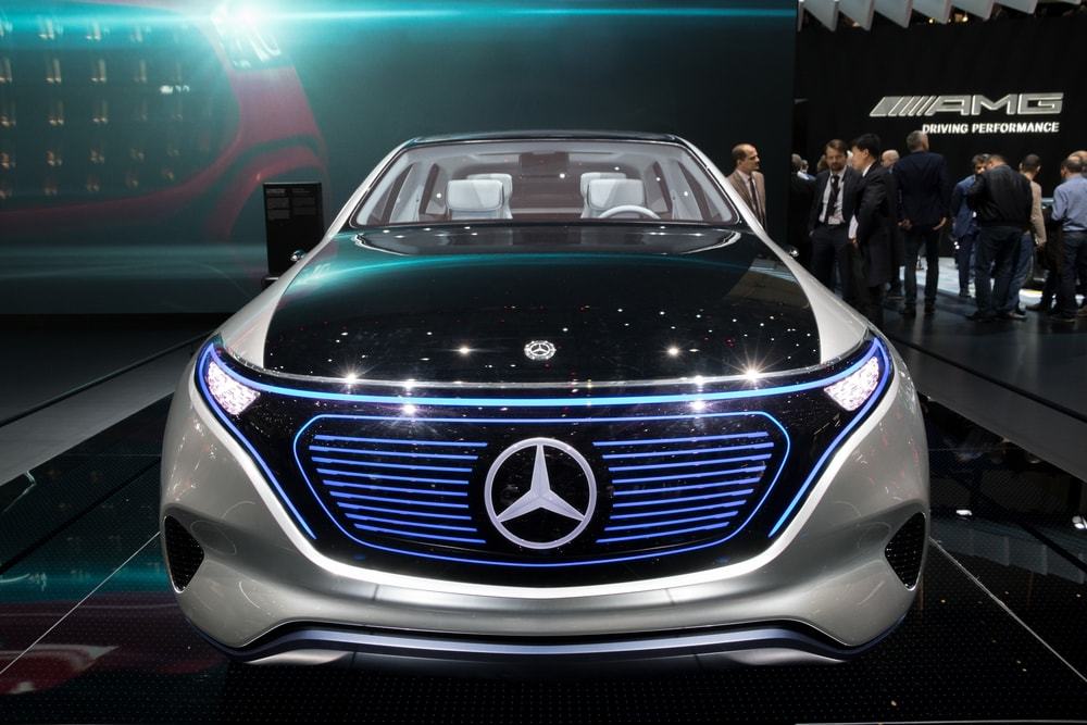 Mercedes to begin building electric suvs in the us for Mercedes benz eq release date