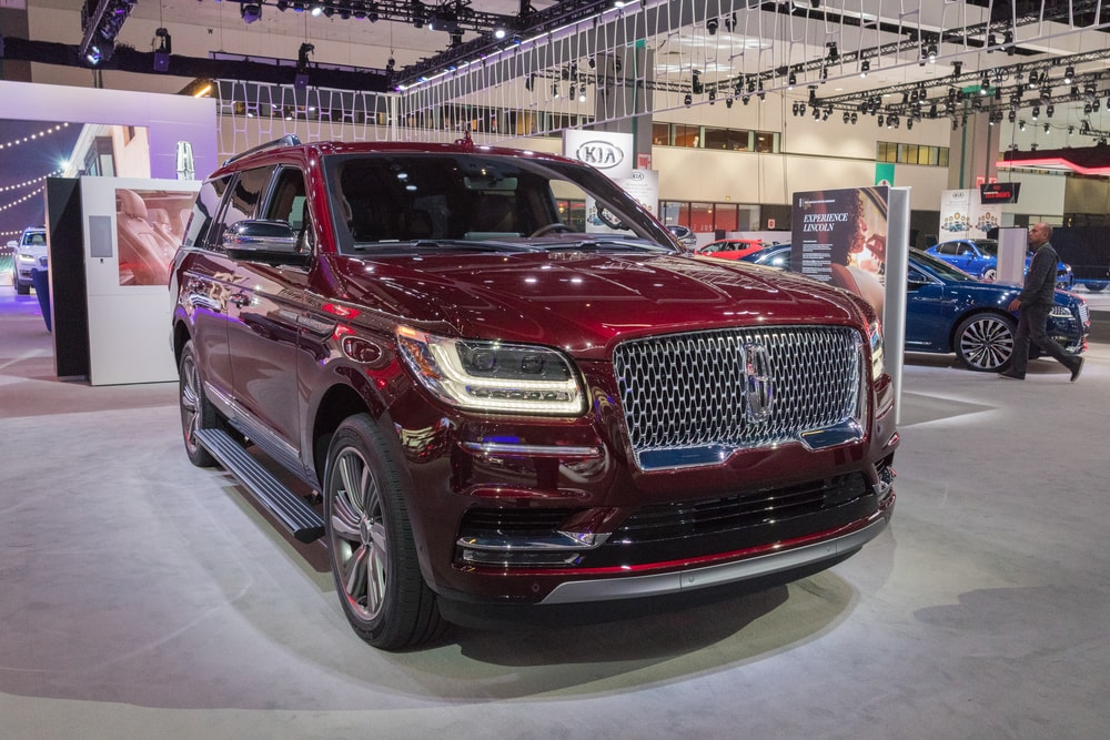 2018 lincoln navigator red