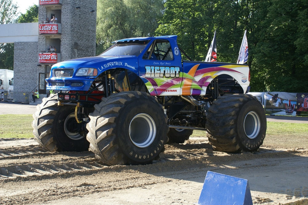 bigfoot monster trucks
