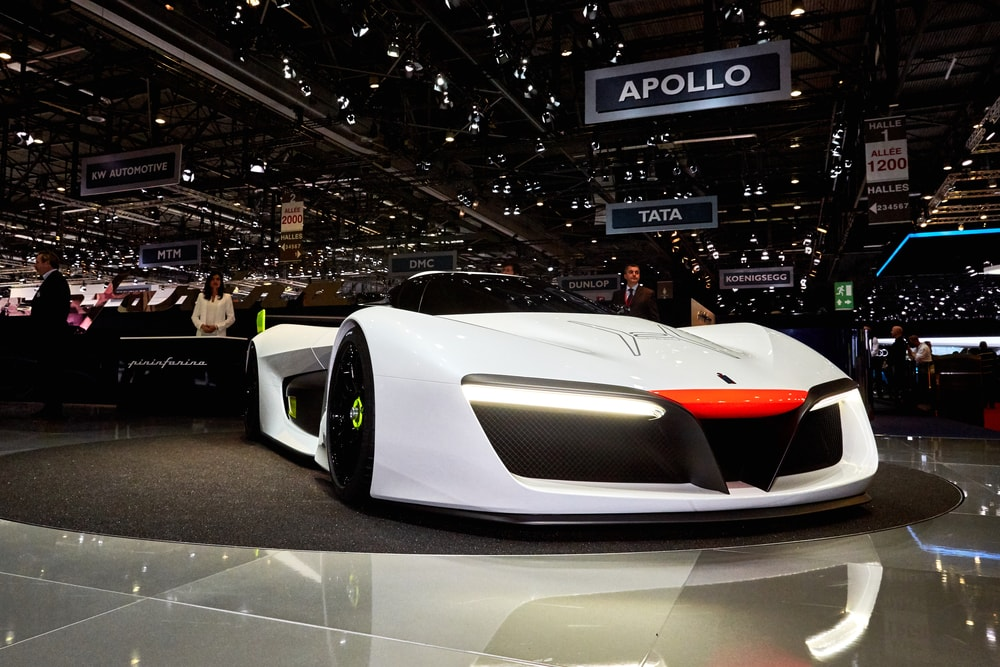 automobil-pininfarina-PF-Zero-side