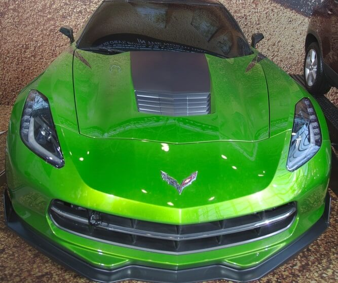Chevrolet-Corvette-Stingray-c7-transformers-min